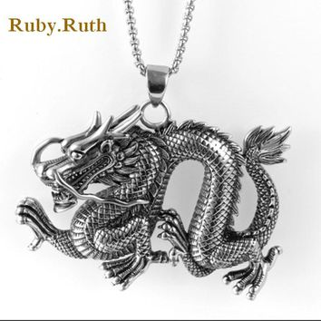 2017 new Stainless steel men's domineering dragon pendant necklace hanging jewelry