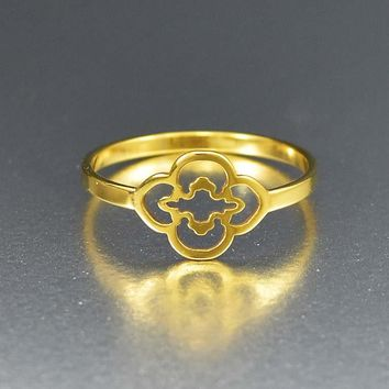 Chic Celtic Clover 14K Gold Minimalist Ring