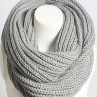 Warm Welcome Scarf | Gray