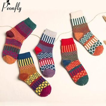 PEONFLY Woman New Colorful Printing Vertical Striped Wave Pattern Happy Socks Winter Christmas Funny Thickening Warm Wool Socks