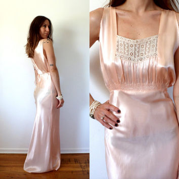 1930's Slip Dress Art Deco Vintage Peach Bridal Lingerie Night Gown Bias Cut