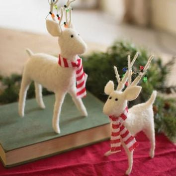 Set Of 2 Felt Deer With Scarves & Christmas Lights