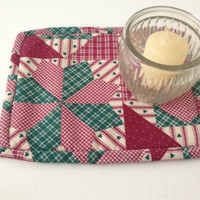 Fun Retro Pot Holder, Trivet, Hot Pad, Country hearts and plaids