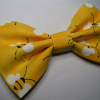Busy Bees Hair Bow, Fabric Hair Bow, Hair Bow clip, Hair Bow,Yellow bow