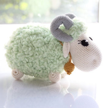 Hand knitted and crocheted toy / Aries / 1st sign of the zodiac / under the sign of Aries / Mint and cream Aries