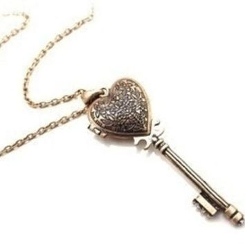 LMFUG3 Vintage Heart-Shaped Key Necklace Can Open = 1946536516