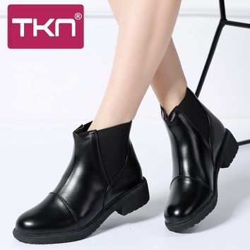 TKN 2018 Winter Women Chelsea Boots Ankle Boots Women Leather Shoes Flat Heel Basic Boots Female Casual Motocycle Boots H01