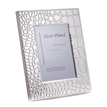 "Silver Plated with ""Croco"" Design 4""x6"" Picture Frame with Easel Back"