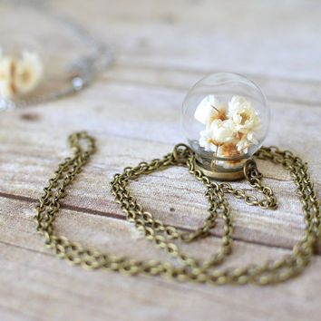 Terrarium necklace, glass globe, flower necklace, real flower jewelry, daisy necklace, Gift Under 30, bridal jewelry, valentines gift