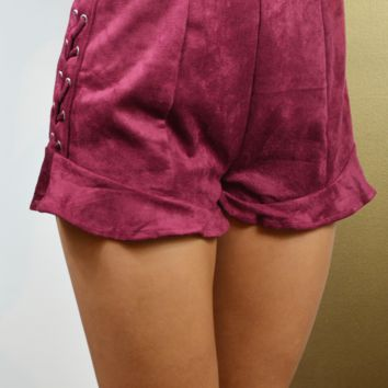 show stopper ruffled lace-up shorts - maroon