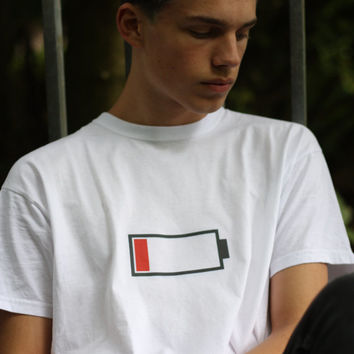 "low (battery) life "" T-Shirt S M L Unisex"