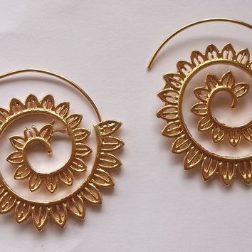 "Balancing Spiral Petals Gold Tone 1.5"" Fashion Earrings"