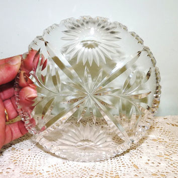 Lead Crystal Shallow Glass Dish or Bowl, Hors d'Ouvres or Salad Dish, Sun Flower and Foliage Design, Sweet Dish, Cut Glass, Clear Glass