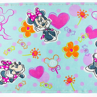 Disney Parks Minnie Mouse Hearts And Flowers Blanket Thrown New With Tags
