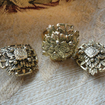 Signed Whiting Davis Flower Leaf Ring Earring Set