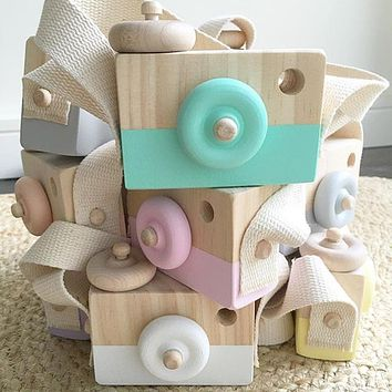 Cute Wooden Camera Mini Toys Safe Natural for Baby Children Fashion Clothing Accessory Blue Pink White Birthday Christmas Gifts