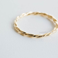 Middle twist ring,Jewelry,Ring,bridesmaid ring,twist ring,simple ring,Stacking ring,stackable ring,womens ring,unique ring