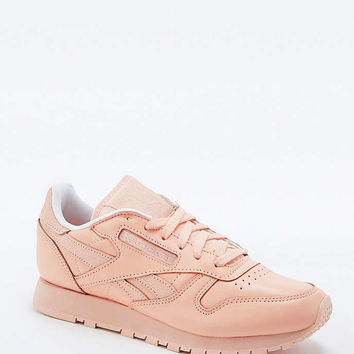 Reebok Classic Peach Leather Trainers - Urban Outfitters