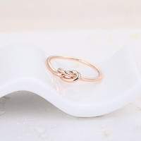 Infinity Knot Ring  Rose Gold // R025RG // Rose Gold by CreaMellow