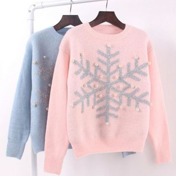 Autumn and winter new snowflake sequins Dingzhu pearl knitted sweater long - sleeved Christmas sweater women