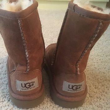 Girls size 10 brown ugg boots fur toddler shoes
