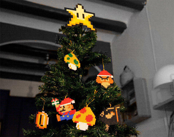 Retro Christmas Tree Decoration Set Super Mario Bros Inspired (6 piece / Star Tree Topper)