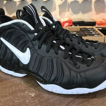 Factory Authentic Unisex Nike Air Foamposite One Pro Dr. Doom 624041-006 white-black Brand sneaker