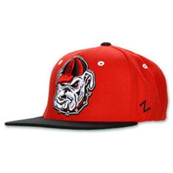 DCCKG8Q NCAA Georgia Bulldogs Head Logo Snapback