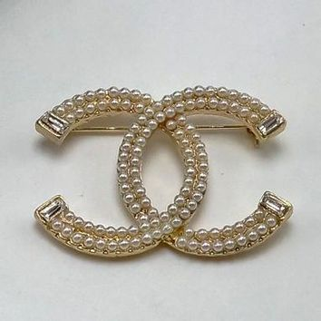 Chanel Women Fashion CC Logo Pearl Plated Brooch