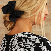 Demure Hair Bow - Black