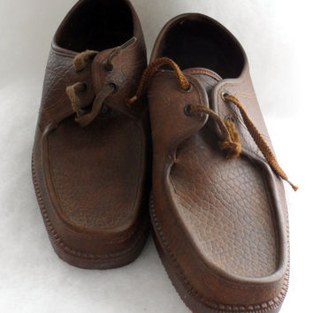 VINTAGE ITALIAN MADE Mens Lace Up Wallabee Styled Leather Shoes - Red Brick Lactae Hevea Non Slip Soles - Sized Euro 42 -Very Good Condition