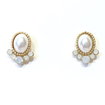Queen Pearl & Crystals Stud Earrings