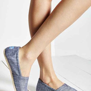 TOMS Blue Chambray Women's Classics Slip-On Shoe