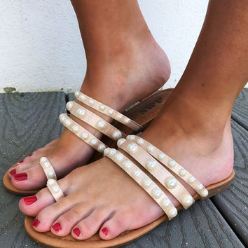 Pearl Hunting Sandals: Nude/Pearl