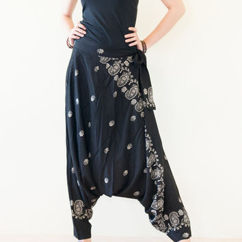 Paisley Pattern Rayon Super Soft Light Weight Long Harem Pants (Black Paisley)
