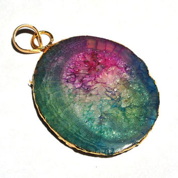 10% OFF SALE 1Pc 40x33mm 24K Gold Electroplated Edge Rainbow Solar Quartz Stalactite Slice Pendant, Druzy Geode Single Loop Pendant Boho Chi