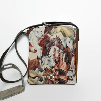 Messenger bag horse lovers, unique bag, re-used stirrup leather, cross body bag horse, unique messenger bag, gobelin bag, horse bag