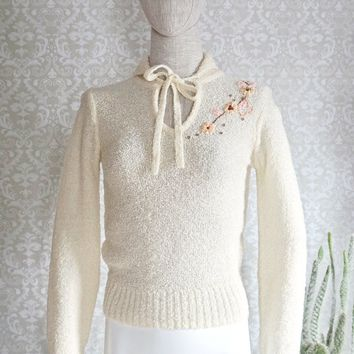Vintage 1980s Dainty + Floral Embroidered Sweater