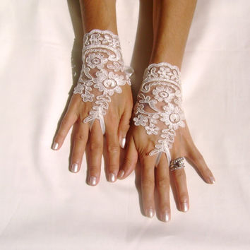 Ivory lace Wedding bridal gloves gauntlets  free ship