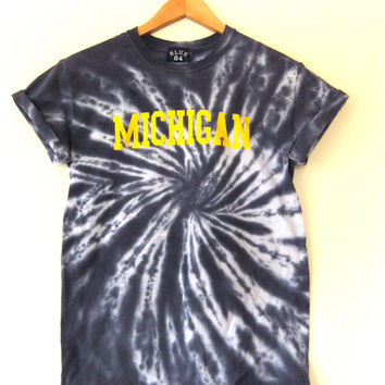 University of Michigan Tie Dye T Shirt - Psychedelic Desmond Howard - MAiZE and BLUE Size XSmall