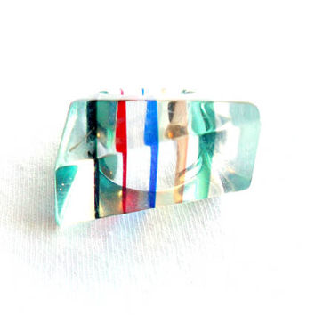 Vintage Striped Lucite Ring Size 6 Oblong Skewed Asymmetrical Geometric Rainbow Multi Color Acrylic