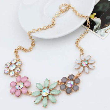 2015 Women Necklaces Pendants Trendy Statement Necklace Link Chain Choker necklace Resin Flower pendant For Gift Party