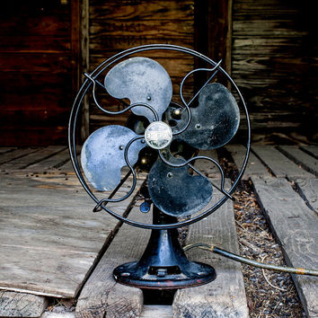 Antique Desk Fan, Working Vintage Emerson Black Metal Fan, Industrial Home Decor