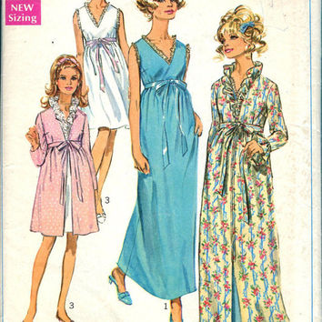Simplicity 7957 Sewing Pattern Retro 60s Women's Bathrobe House Coat Housedress Baby Doll Pajamas Nightgown Lingerie Bust 36