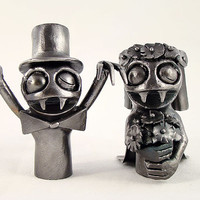 Bride and Doom Monster Metal Finger Puppet Set