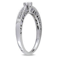1/10 CT. Diamond Promise Ring in Sterling Silver