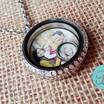 Photo Locket. Round Magnetic Origami Owl Charms Living Locket with Doubleside Photo Quote and 1 Floating Photo Charm Magnetic Locket