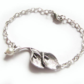 Pearl Calla Lily Bracelet Silver Plated chain linked Bead Jewelry