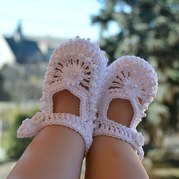 Baby Booties Crochet - white