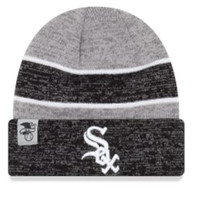 Mens Chicago White Sox New Era Heathered Gray/Heathered Black On Field Sport Cuffed Knit Hat